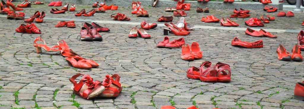 Scarpe rosse Telefono Donna Cuneo